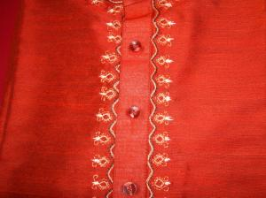G's red kurtha