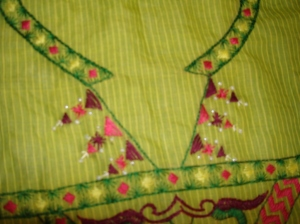 green tunic closeup-1