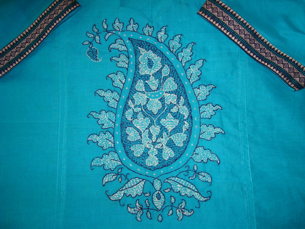 HAND EMBROIDERY FROM SADALAS: Kantha Work: Embroidered saree