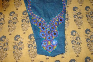 Ipyellow-8 yoke on tunic