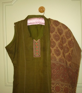 greebrokwyk-tunic with dupatta