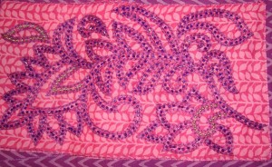 violet beads on pink yk-det2