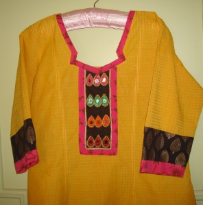 black yoke mirrors on yellow tunic