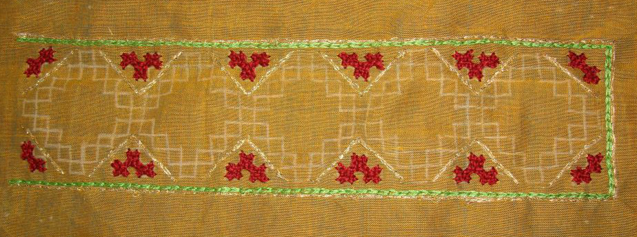 Kutch and mirror work on maroon striped tunic (4/6)