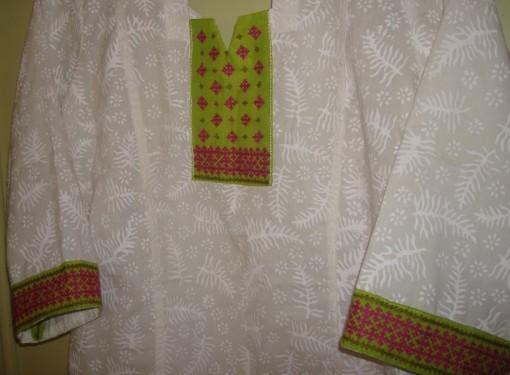 white green majenta kutch tunic-det