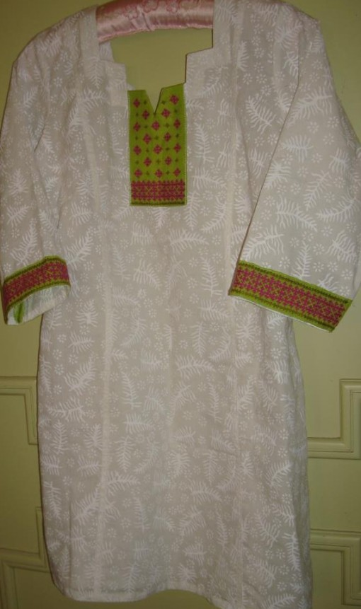 white green majenta kutch tunic